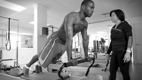 nfl-player-doing-pilates